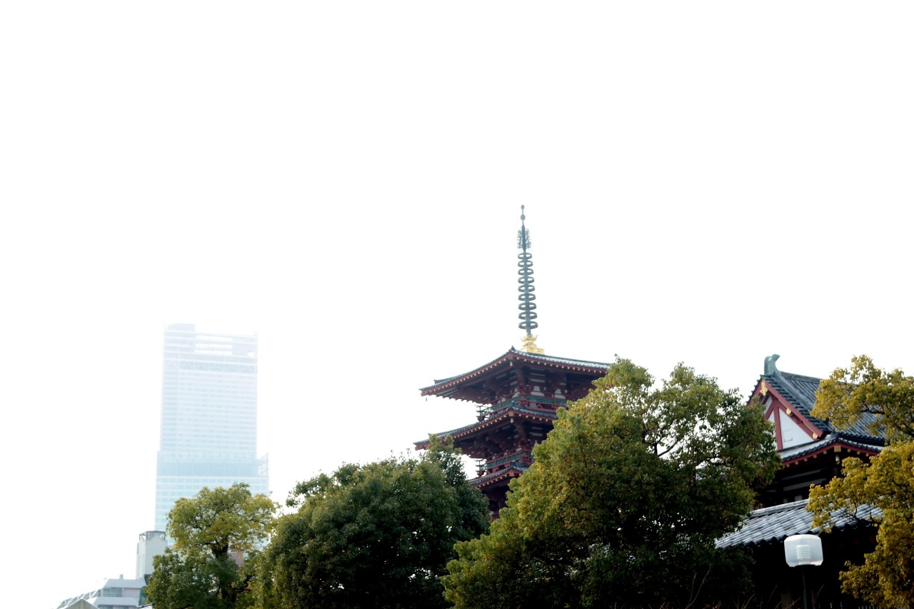 shittenoji temple with abeno harukas