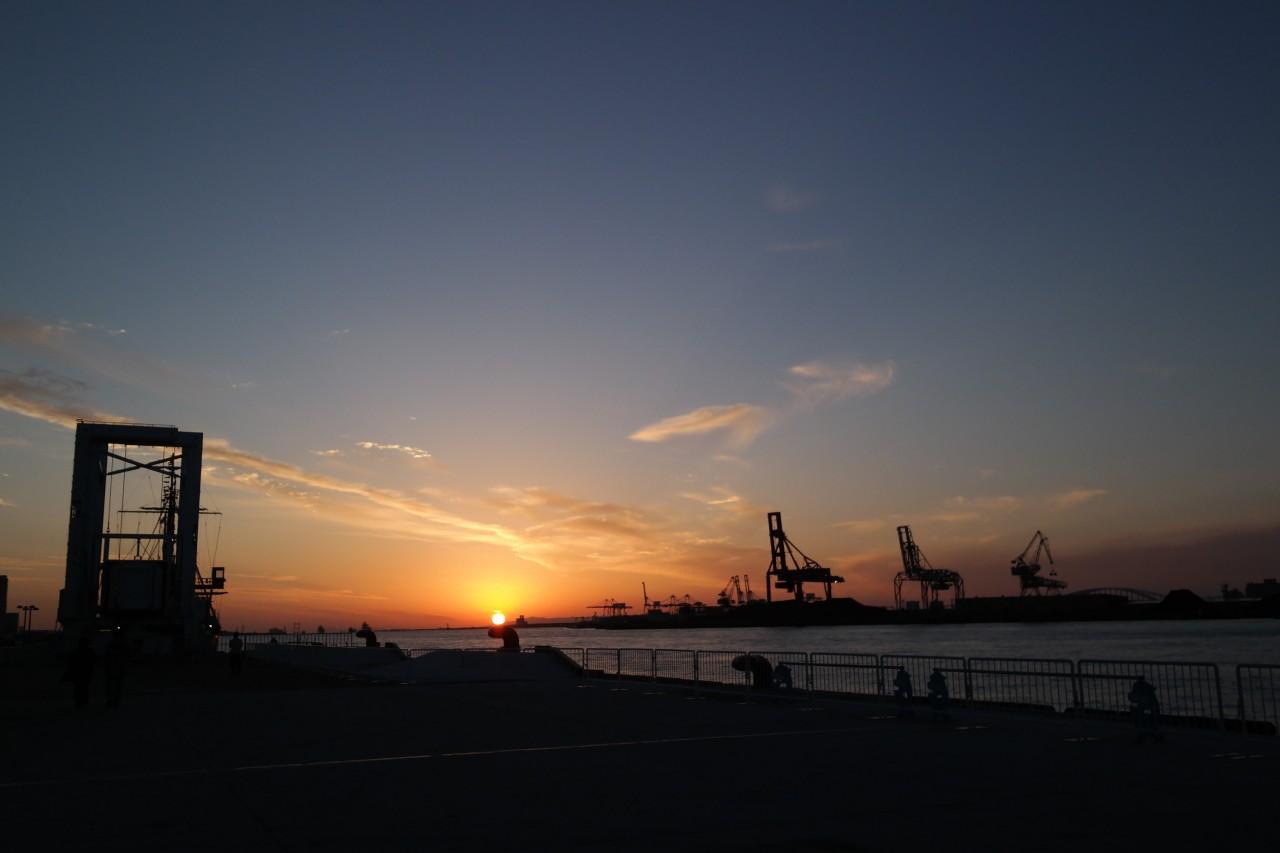 osaka bay area sunset