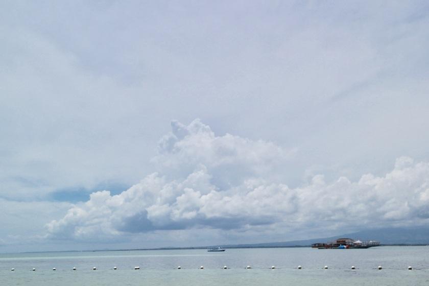 Lakawon Island Tawhai Floating Bar